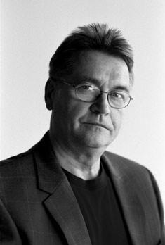 Dr Stephen J. Doholis
